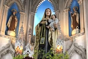 Interior da igreja, padroeira Nossa Senhora do Carmo